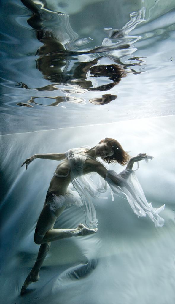 rachel_elkind_underwater_photo_new_york_23