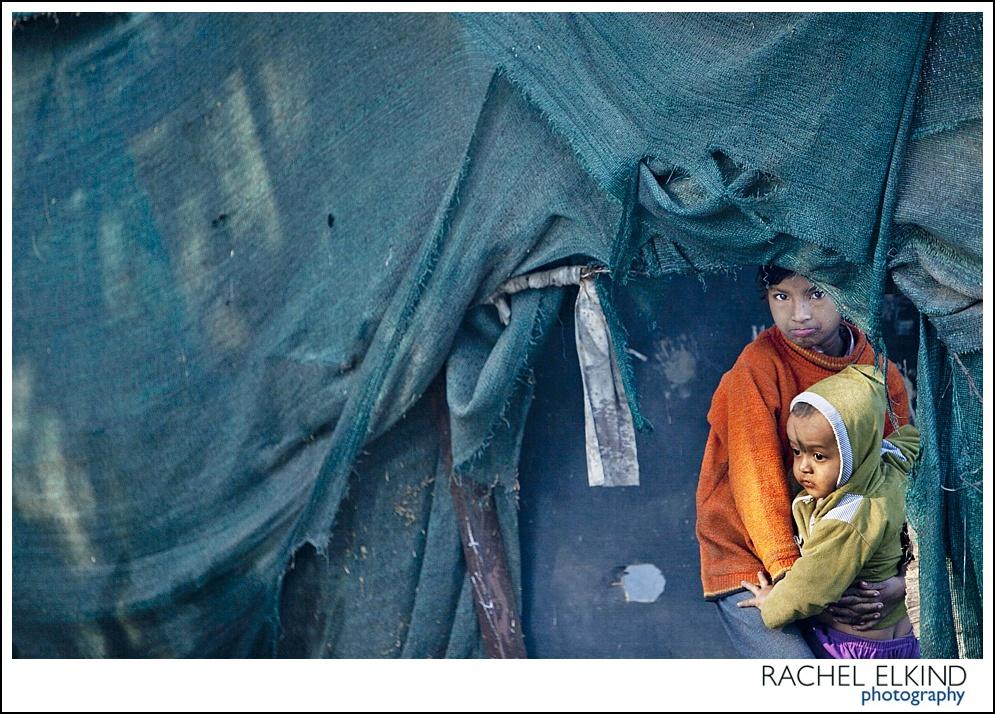 rachel_elkind_delhi_slum_india_07