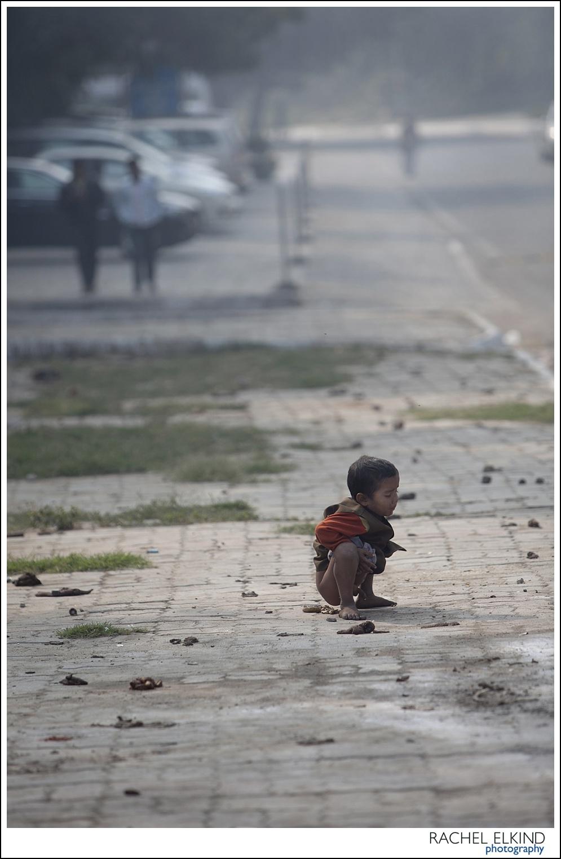 rachel_elkind_delhi_slum_india_08