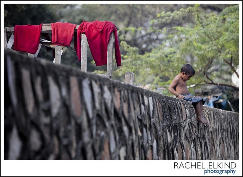 rachel_elkind_delhi_slum_india_09