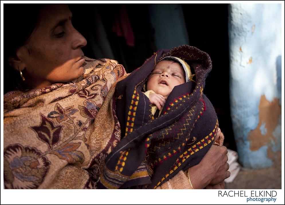 rachel_elkind_delhi_slum_india_11