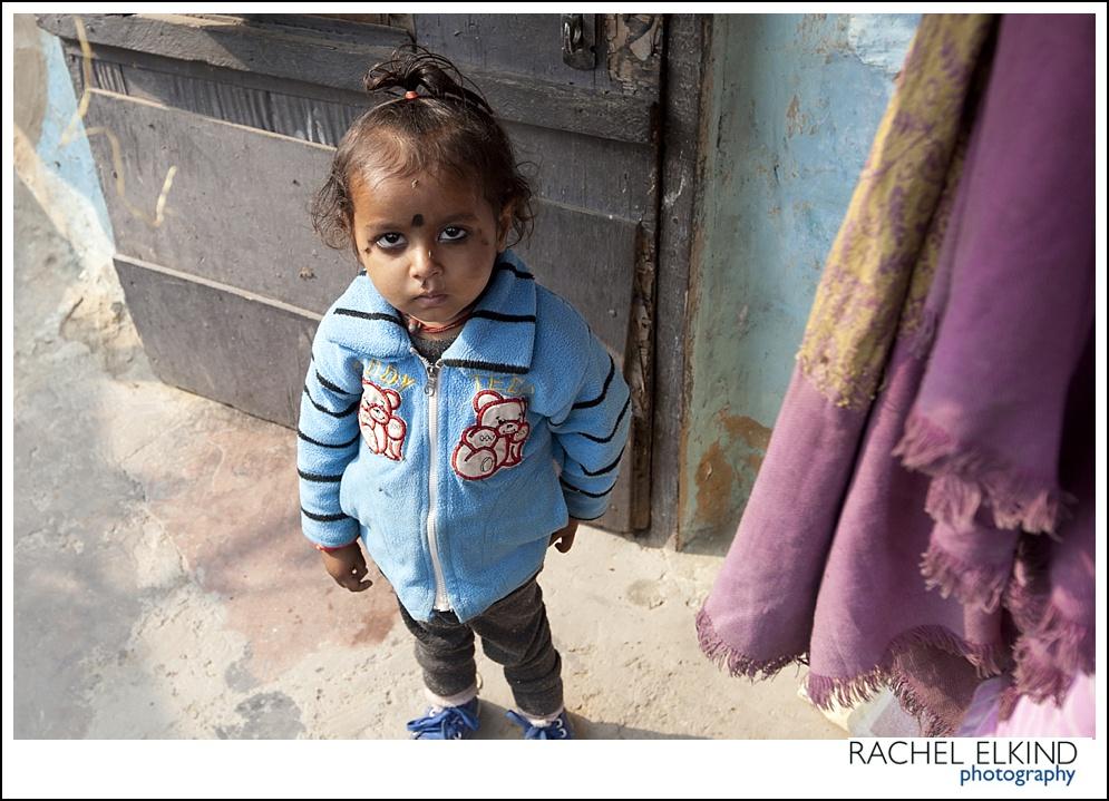 rachel_elkind_delhi_slum_india_12