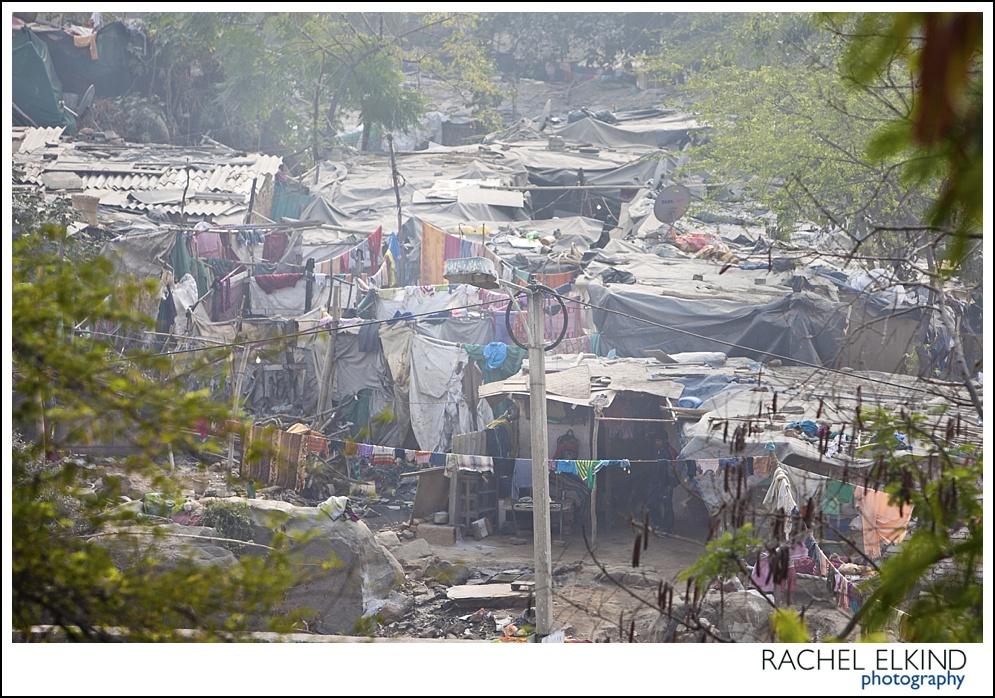 rachel_elkind_delhi_slum_india_17