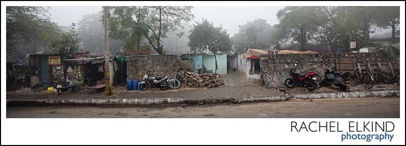 rachel_elkind_delhi_slum_india_18
