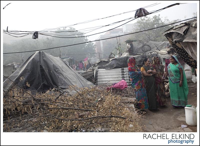 rachel_elkind_delhi_slum_india_19