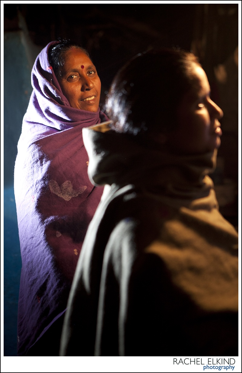 rachel_elkind_delhi_slum_india_24