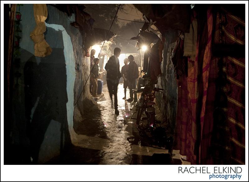 rachel_elkind_delhi_slum_india_26
